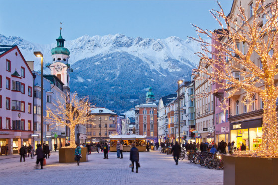 Christkindlmarkt-Innsbruck3-560x372